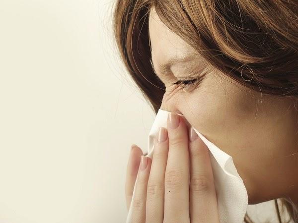 ¿Por qué se me tapa un lado de la nariz cuando me duermo?